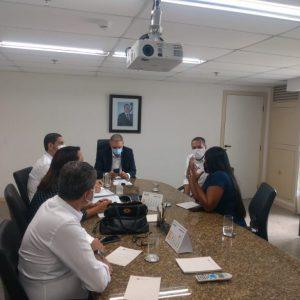 Prefeito Joaquim Neto apresenta reivindicações aos secretários Marcus Cavalcanti e Nelson Pelegrino