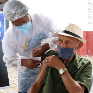 Alagoinhas: Idosos com 85 anos ou mais serão vacinados até quarta-feira (10)