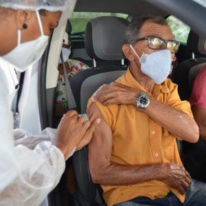 Prorrogada até sexta-feira (12), a vacinação de idosos com 85 anos ou mais