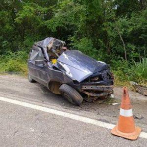 Quatro membros da mesma família morrem em acidente na BR-030