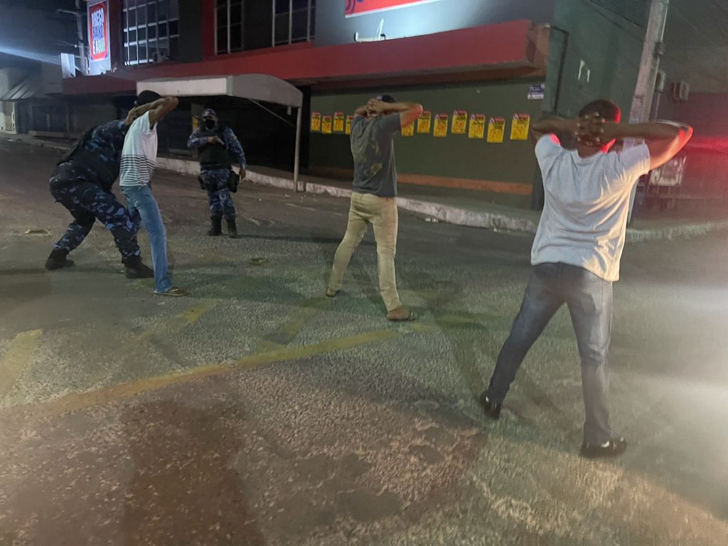 Alagoinhas: Guarda Civil Municipal prende suspeitos de tentar roubar estabelecimento comercial.