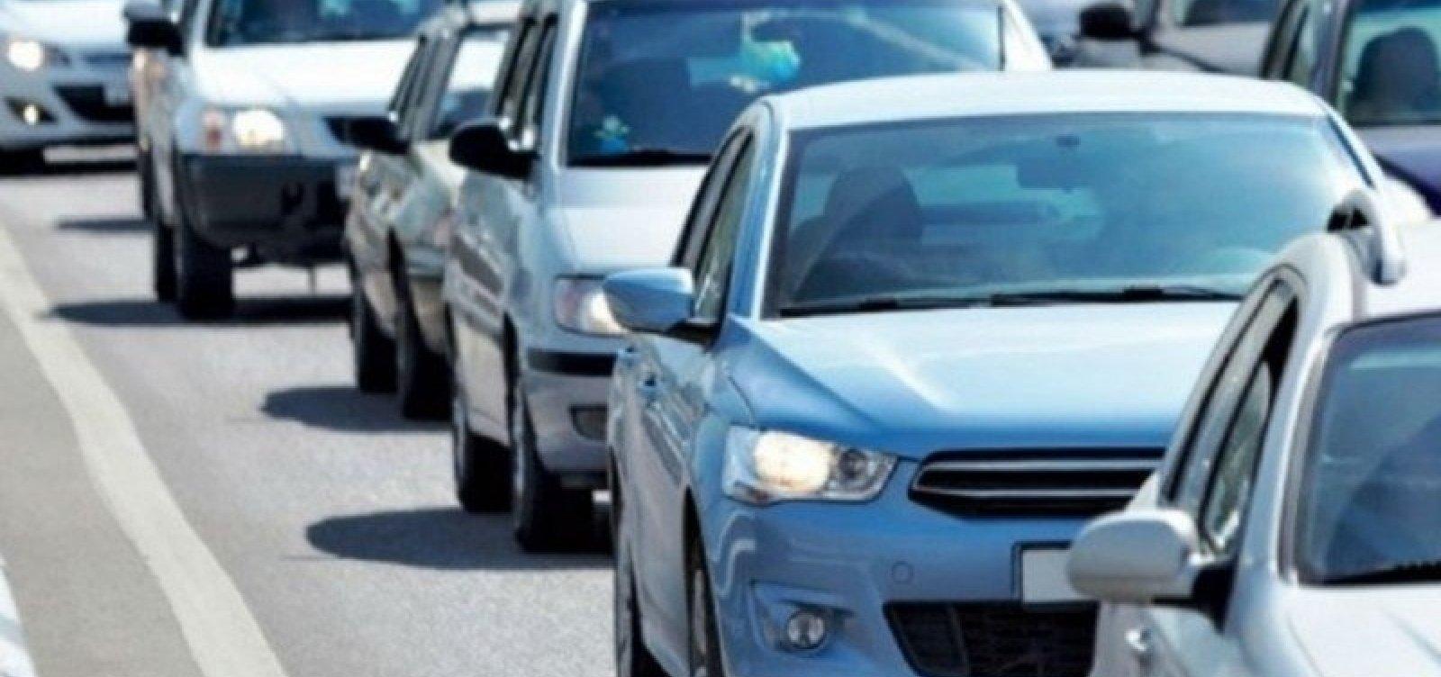 Donos de veículos de placas com finais 9 e 0 têm até o fim de setembro para pagar IPVA