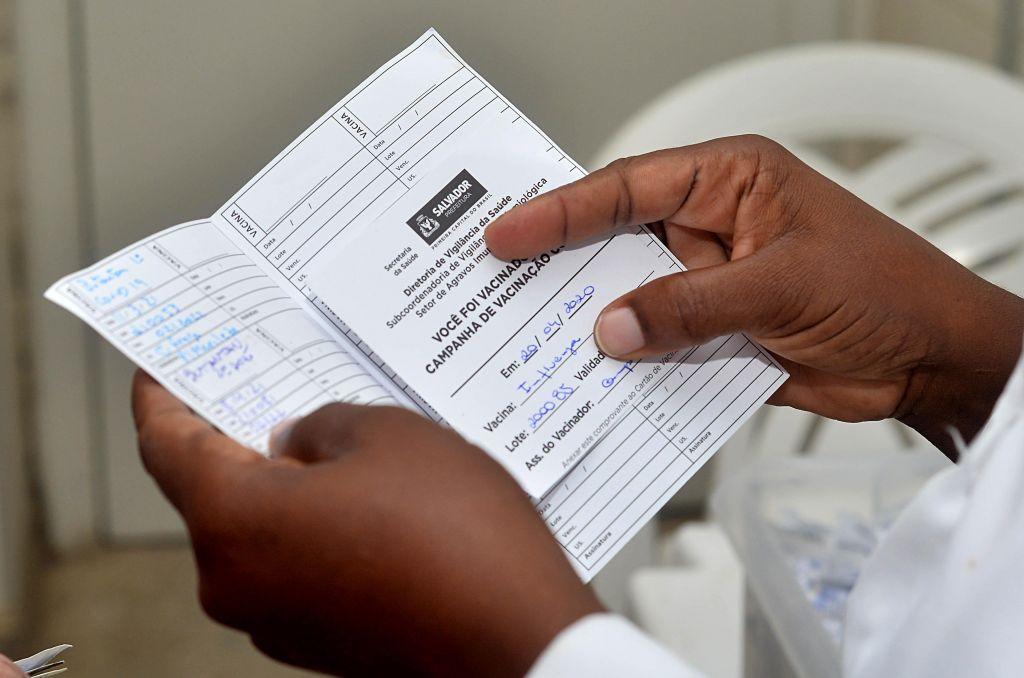 Saúde: certificado de vacinação será emitido com novas informações