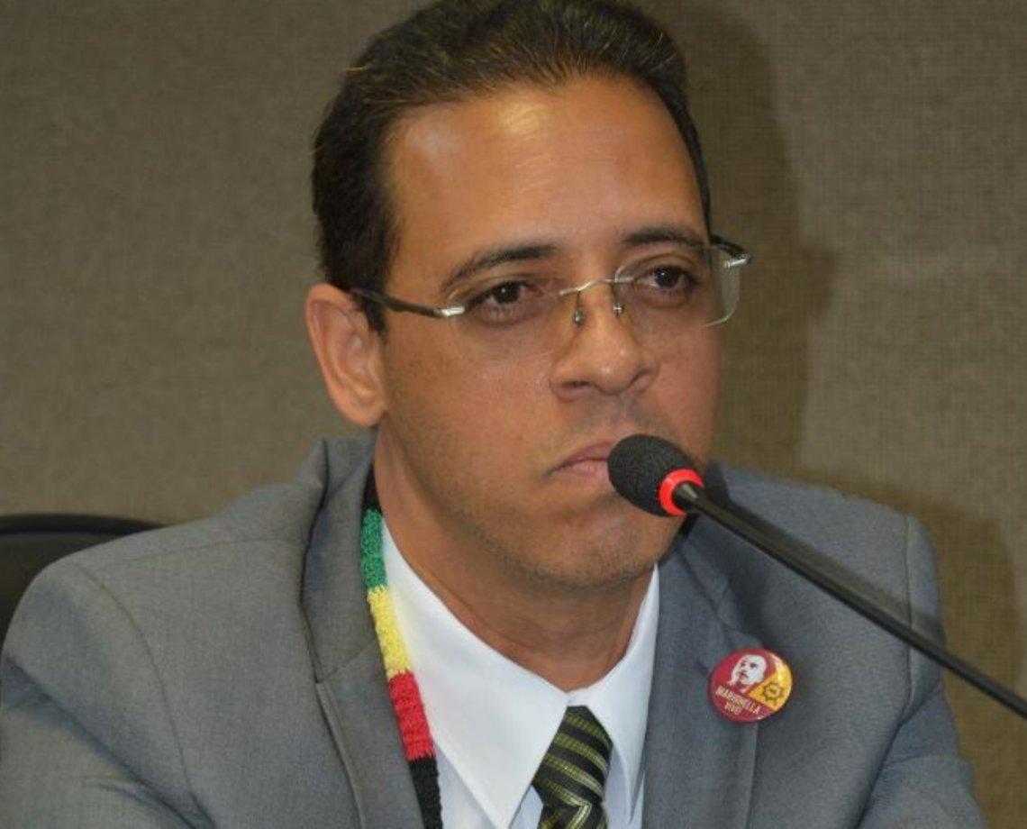 Com retorno de aulas presenciais, deputado indica programa de testagens para Covid-19 em escolas baianas