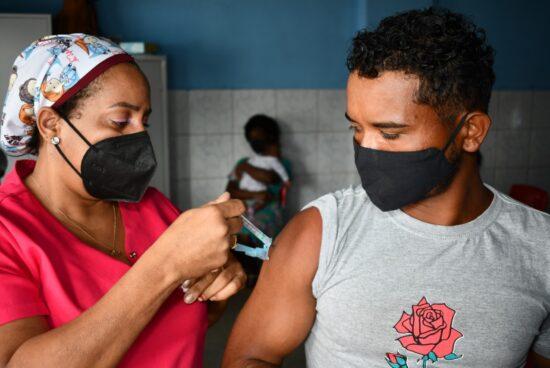 Vacinação Covid-19: confira o público desta quinta (2), em Alagoinhas