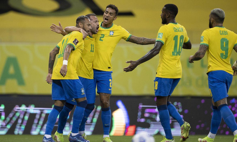 Brasil vence o Peru e mantém 100% de aproveitamento nas Eliminatórias da Copa do Mundo