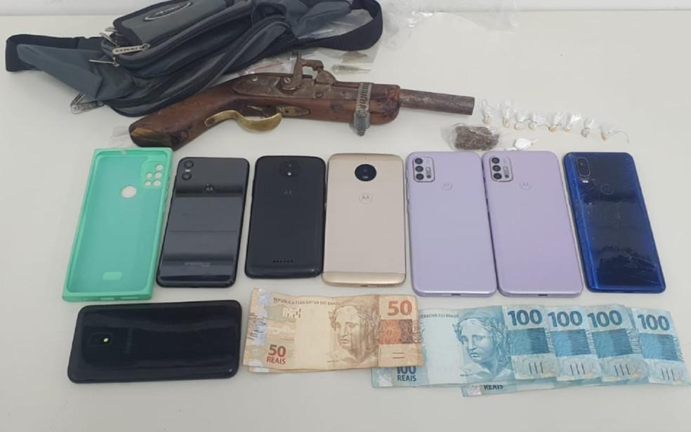 Suspeitos de roubos e tráfico de drogas são presos em Alagoinhas