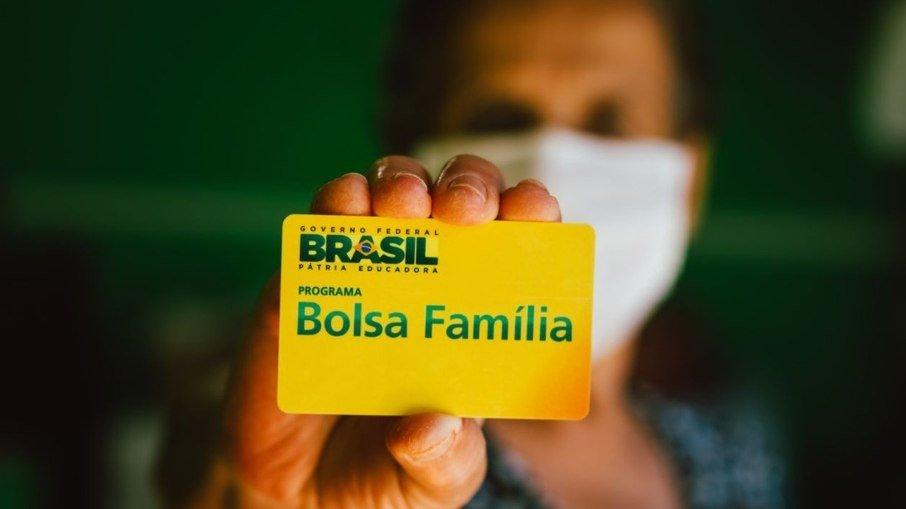 Aumento do Bolsa Família não evita perda de renda dos mais pobres em 2022