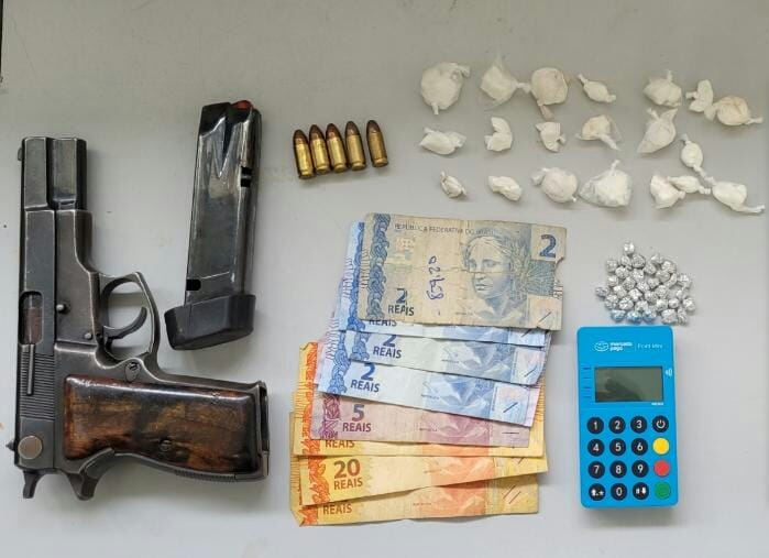 Homem morre em confronto com a PM em Aramari,arma de fogo e drogas foram apreendidas