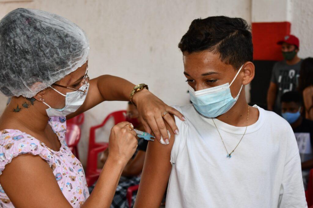 Vacinação Covid-19: chega a 12 e 13 anos imunização contra o novo coronavírus em Alagoinhas