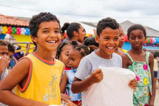 Prefeitura de Alagoinhas comemora o Dia das Crianças com a Caravana da Alegria