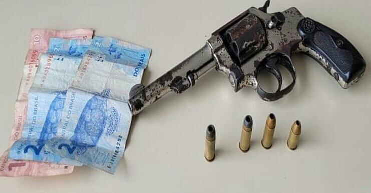 Policiais do Quarto Batalhão frustram assalto e realizam prisão em flagrante delito por porte ilegal de arma de fogo