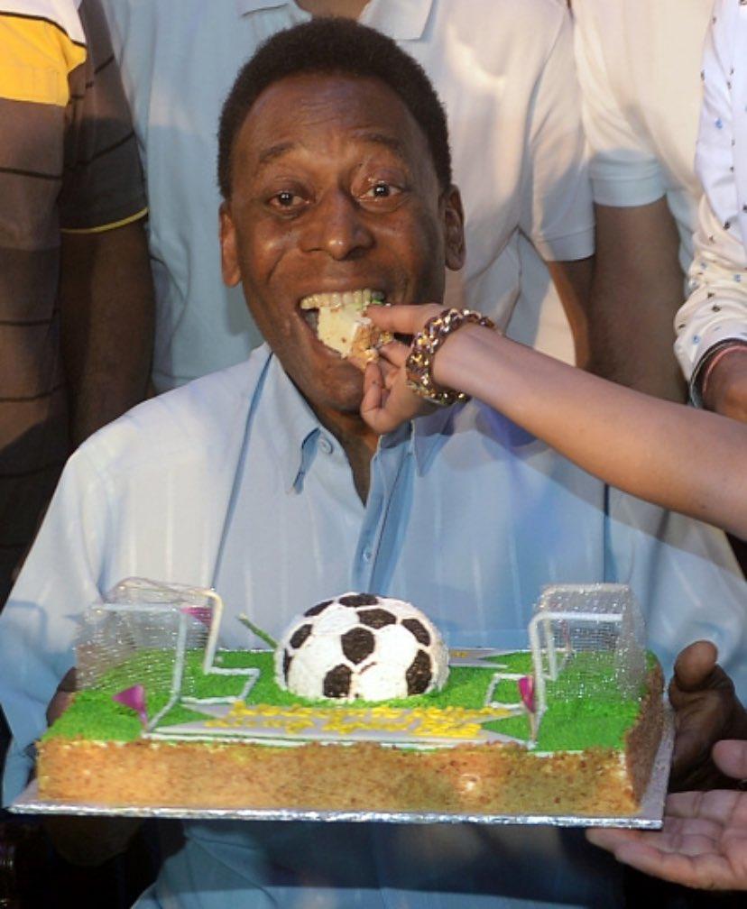 """Pelé comemora aniversário e posta mensagem: """"81 anos de vida, com muitas vitórias"""""""