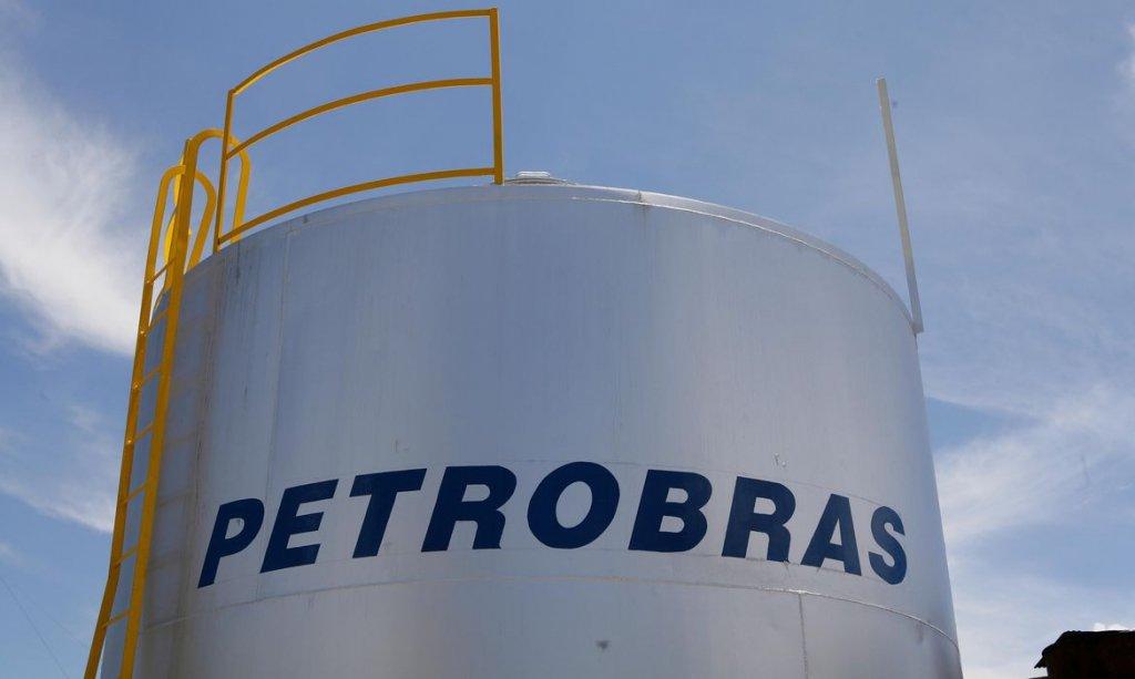 Petrobras anuncia reajustes de 7,2% nos preços da gasolina e gás de cozinha