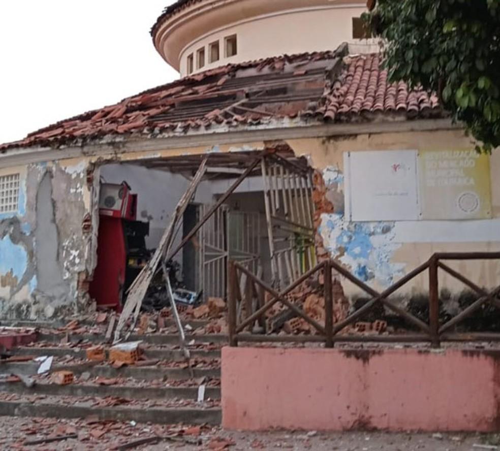 Caixa eletrônico é explodido no Mercado Municipal de Itaparica, região de Salvador; FOTOS
