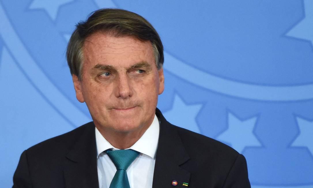 Bolsonaro veta distribuição gratuita de absorventes para escolas públicas